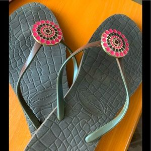 Lindsay Phillips flip flops